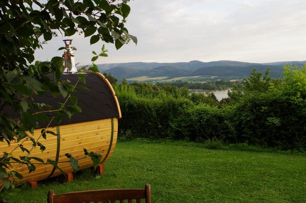 Zebegény, Duna, kert, hordószauna